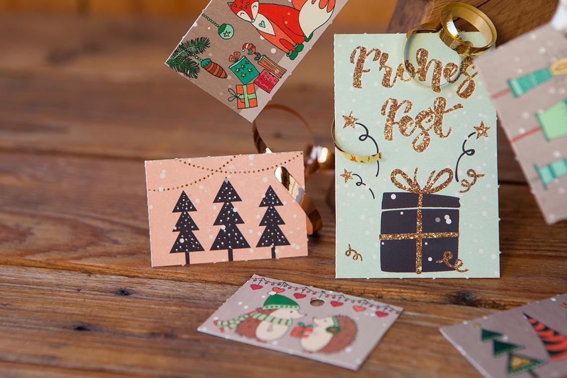 Geschenkanhänger mit Weihnachtsbaum